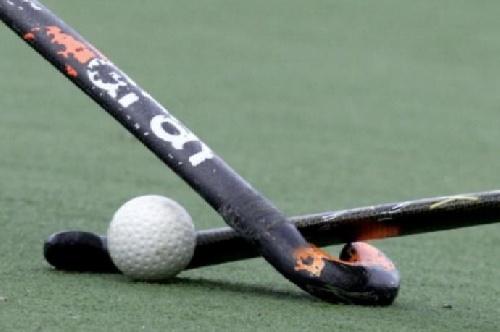 Hockey Femenino - Entrenamiento del Sub 14 de la Asociación Hockey SudOeste.