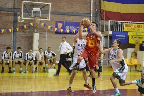 Federal Basquet - Con ocho puntos de Esteban Silva, Bahiense derrotó a San Martín de Junín.