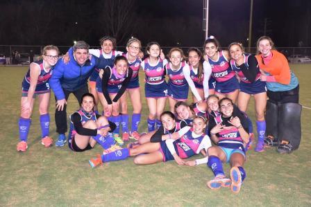 Hockey Femenino - Sub 16- Cef 83 venció a Peñarol y se acerca al líder.