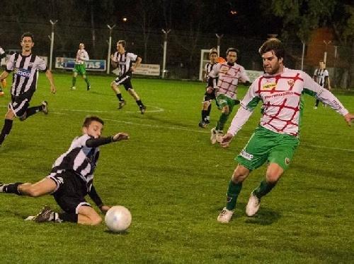 LRF - Entresemana Deportivo Sarmiento derrotó a Puán F Club por tres a cero.
