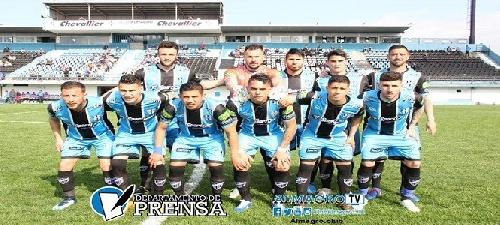 Nacional B - Almagro cayó como local ante Sarmiento de Junín - Marcos Litre ingresó en el complemento.