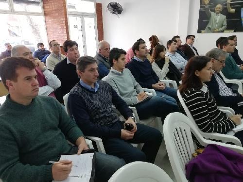 Gustavo Notararigo participa en jornada sobre la situación de gobiernos locales
