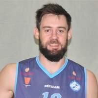 Basquet Federal - David Fric encestó 22 puntos en destacada actuación.