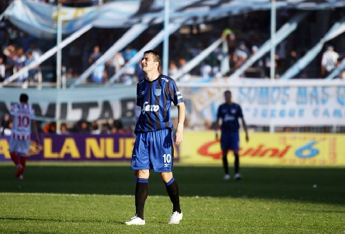 Nacional B - Leandro González convirtió dos goles para la victoria de Quilmes ante Aldosivi.