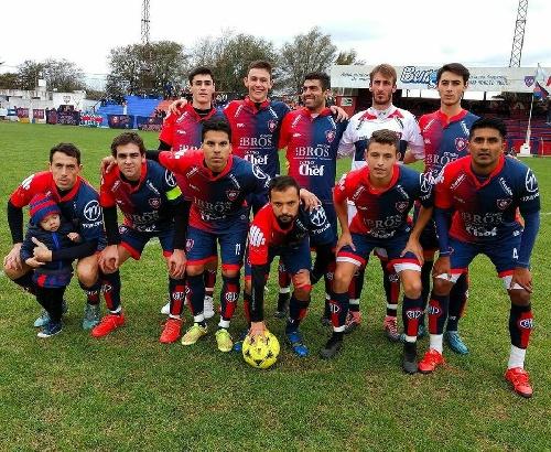 LRF - Peñarol derrotó a Puán F Club y sigue liderando la zona B.