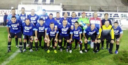 LRF - Equipo de veteranos de Unión Pigüé juegan preliminar de la 1ra división.