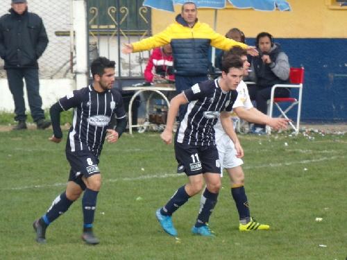 Club Sarmiento dio cuenta de Boca Juniors en el primer cruce de finales.