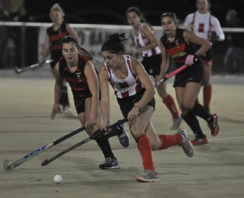 Hockey Femenino - Ivana Mazars anotó en los dos últimos juegos de Monte.
