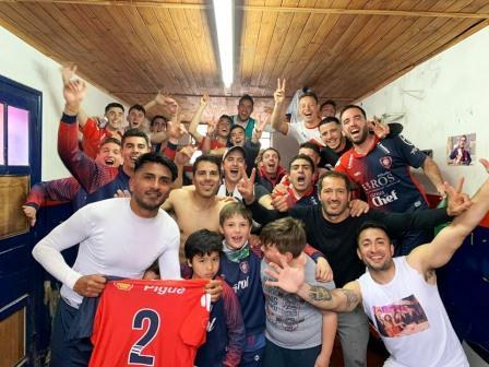 LRF - Peñarol y Unión Pigüé festejaron en los clásicos.