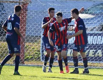 LRF - Con los tres goles convertidos a Rácing, Monterubianessi se pone a dos del goleador.