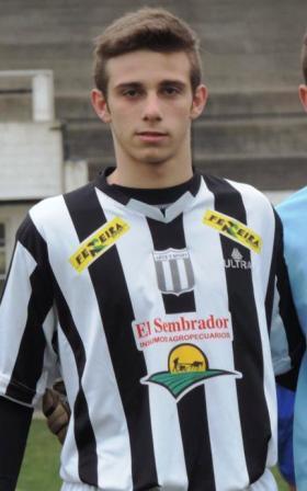 Franco Pane de Blanco y Negro goleador de divisional reserva.