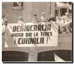 10  de Diciembre de 1983 - El alumbramiento de la democracia