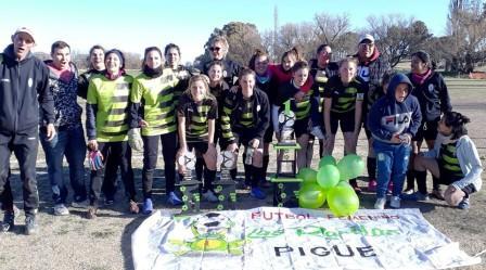Fútbol Femenino - Las Ranitas se quedaron con el campeonato regional.