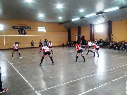 Voley - El sábado las Damas de Unión Pigüé reciben a Club Sarmiento.