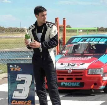 Turismo Regional - Bruno González avanza al 3° lugar en el campeonato.