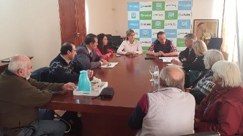 Reunion de Marisol Merquel y diputados peronistas con agricultores familiares y cooperativos