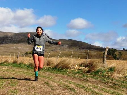 Atletismo - Karina Parada obtuvo el 1° lugar en 10 k en El Desafío Vuelta a la Laguna.