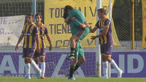 Federal A - Con Carlos Salvi en el banco, Tiro vuelve a caer en el torneo.