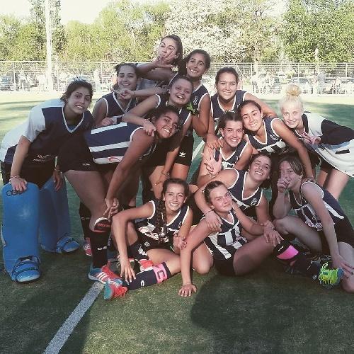Hockey Femenino - Club Sarmiento se adjudicó el Clausura al derrotar al Cef 83 en 6ta división.