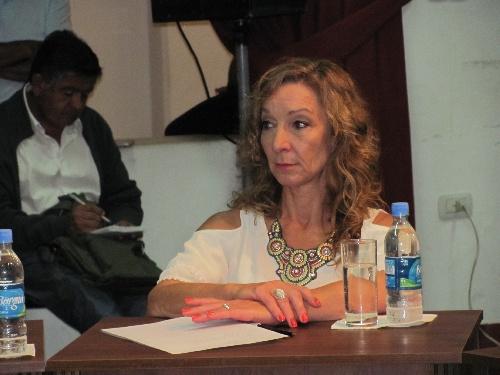 Solicitan solucionar los recurrentes inconvenientes de los adultos mayores para sus recetas Pami en el Hospital Municipal