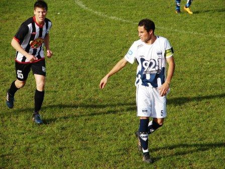 LRF - Por la expulsión del domingo, Roberto Benito fue sancionado con una fecha.