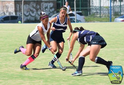 Hockey Femenino - Después de la jornada de hoy, Sarmiento jugará por el 9° lugar.