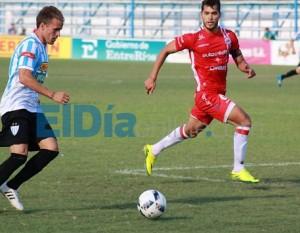 Nacional B - Juventud Unida en su cancha,  con Martín Prost empató ante Argentinos Juniors.