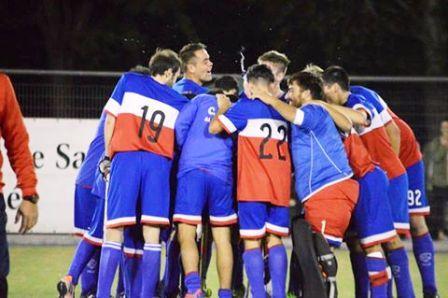 Hockey Masculino - El Cef 83 venció a Deportivo Sarmiento en el Parque Municipal.