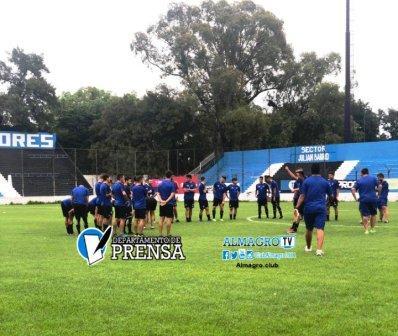 Nacional B - Con la mente puesta en el Reducido, Almagro arribó a Jujuy.