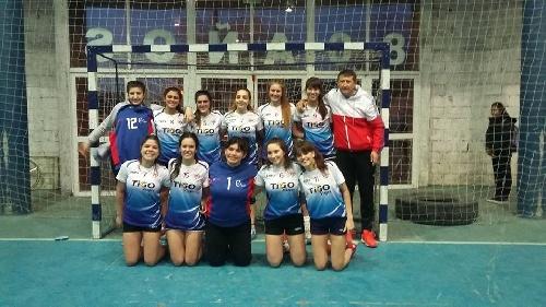 Handball Femenino - El Cef 83  ganó en Tres Lomas y se quedó con el Apertura en menores y juveniles.
