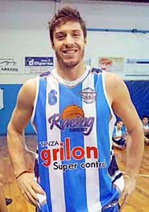 Basquet Federal - Erbel Di Pietro, figura en el partido que Racing le ganó a Argentino de Pergamino.