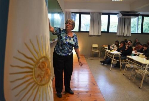 María Inés Baragatti tiene 70 años y sus clases de matemática son furor en Youtube